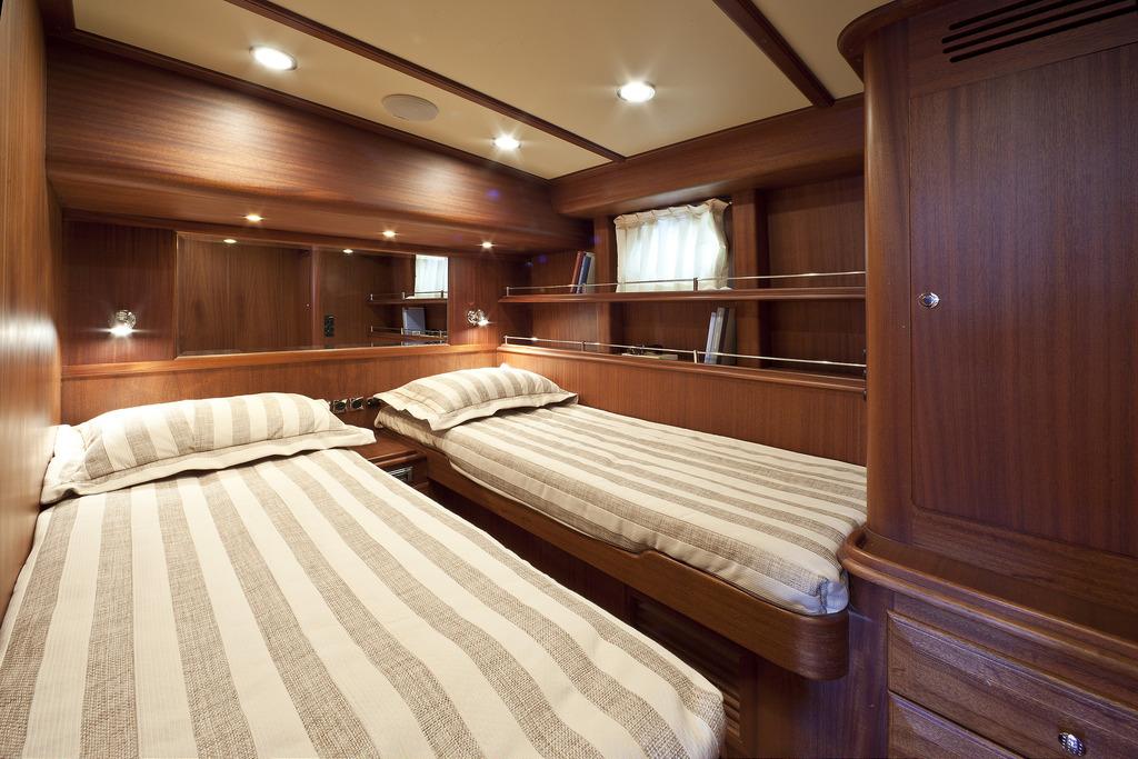 Vicem 96 Cruiser - guest cabin