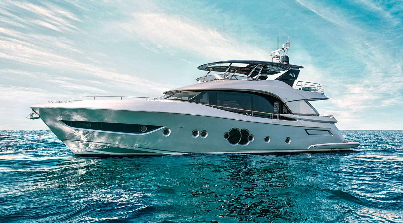 Monte Carlo Yachts MCY 76 Profile