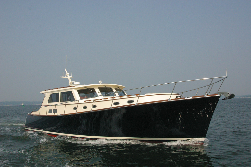 Vicem 58 Classic Flybridge for sale - running