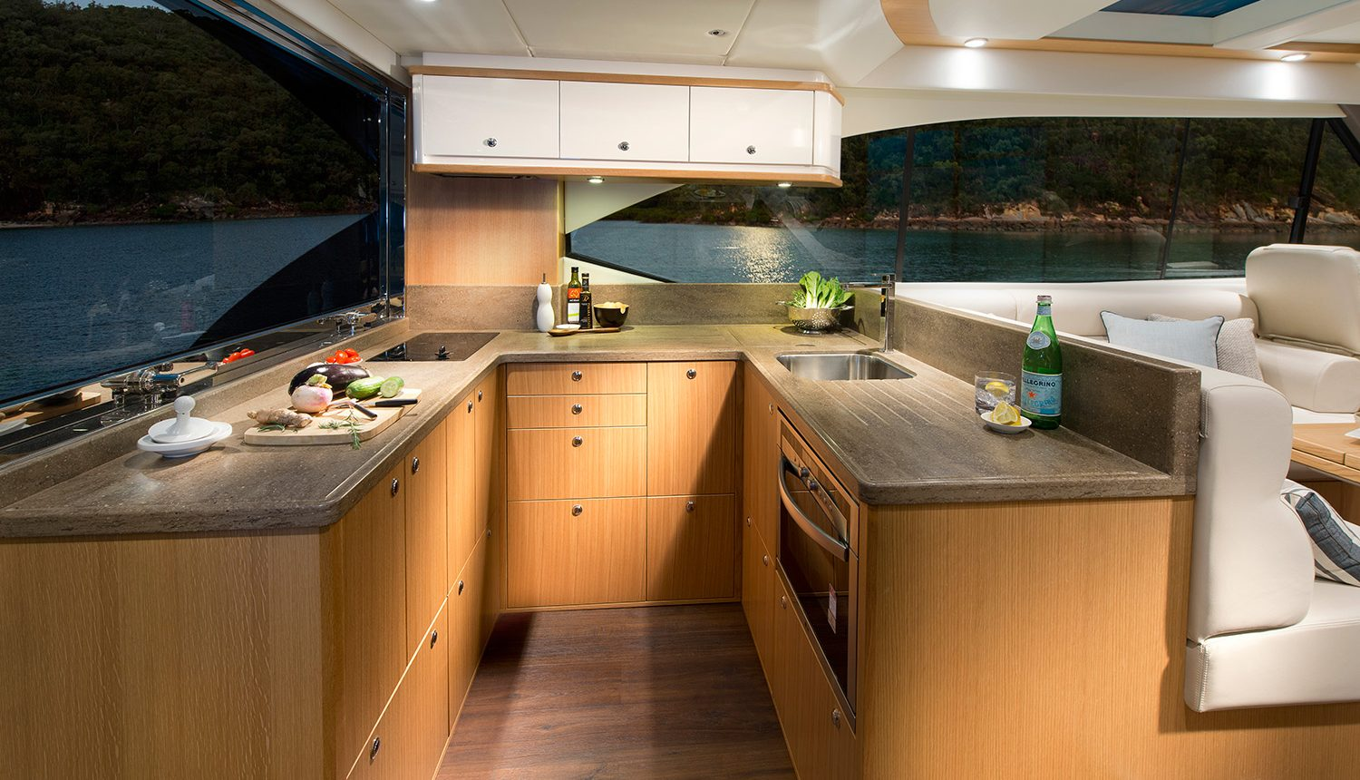 Riviera 525 SUV - Galley
