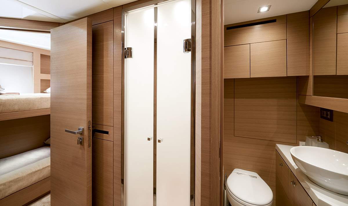 Monte Carlo MCY 80 yacht for sale - crew cabin