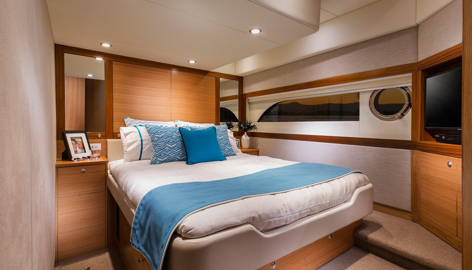 Riviera 525 SUV Yacht for Sale - Master Stateroom