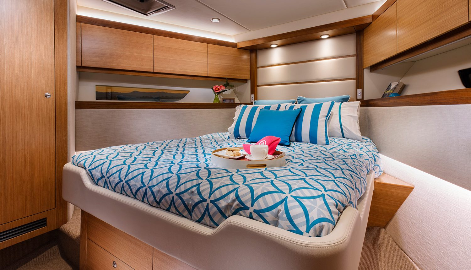 Riviera 525 SUV - Guest Stateroom