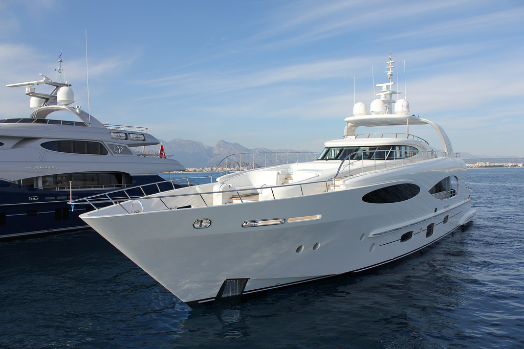 Vicem 110' (32M) Raised Pilothouse 3