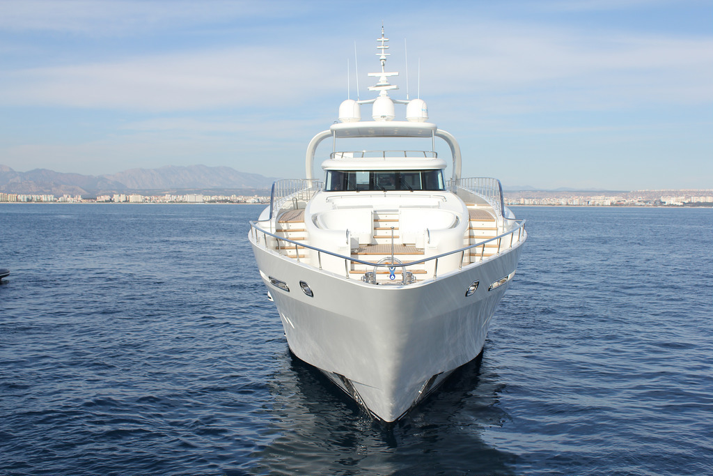 Vicem 110' (32M) Raised Pilothouse