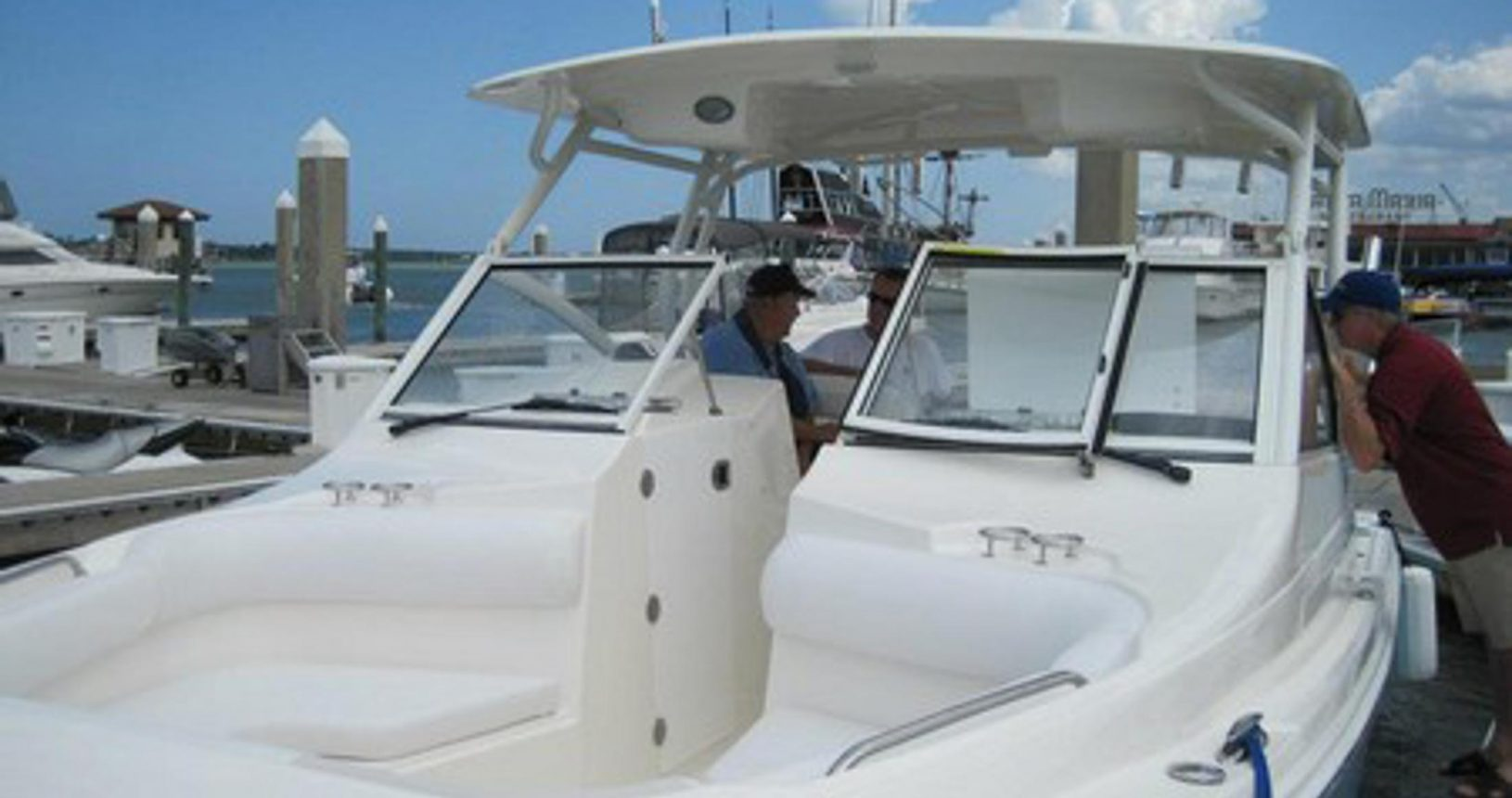 Edgewater 280CX for sale - bow seating