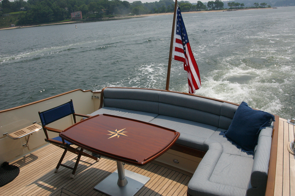 Vicem 58 Classic Flybridge for sale - back deck