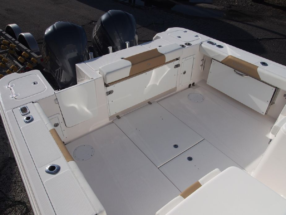 Edgewater 335EX for sale - stern