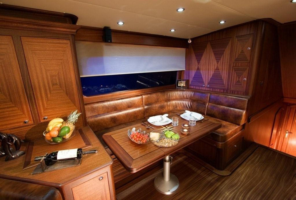 Vicem 63 Sportfish for sale - dining area
