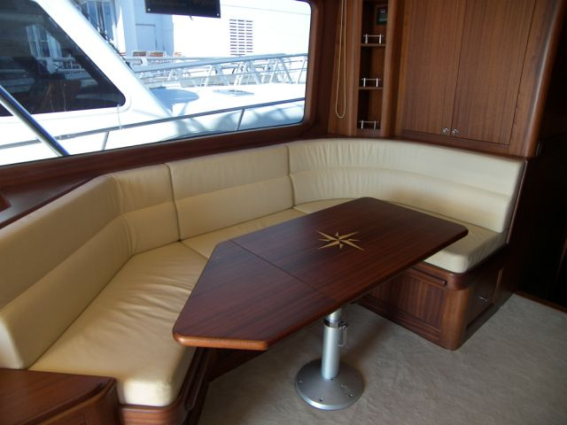 Vicem 57 Sportfish for sale - dining area