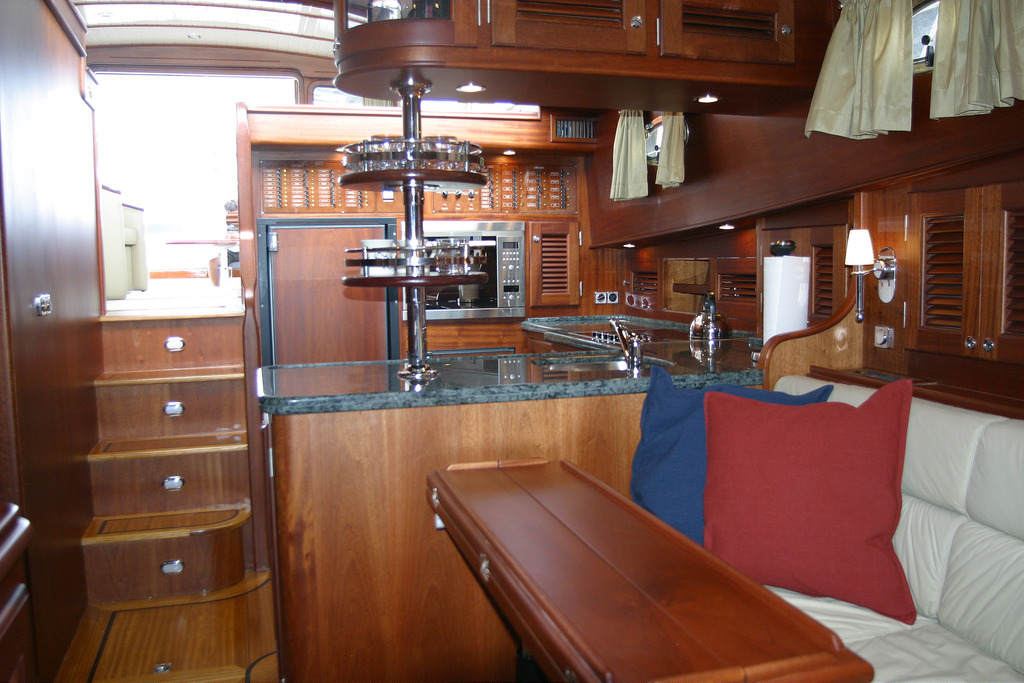 Vicem 58 Classic Flybridge for sale - galley
