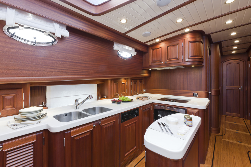 Vicem 77 Classic Flybridge - galley