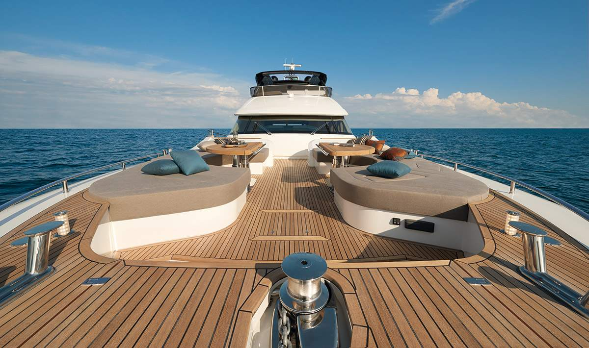 Monte Carlo MCY 80 yacht for sale - bow lounge