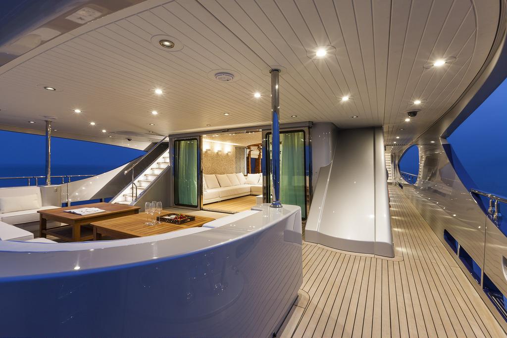 Vicem 151 Tri Deck - Back Deck