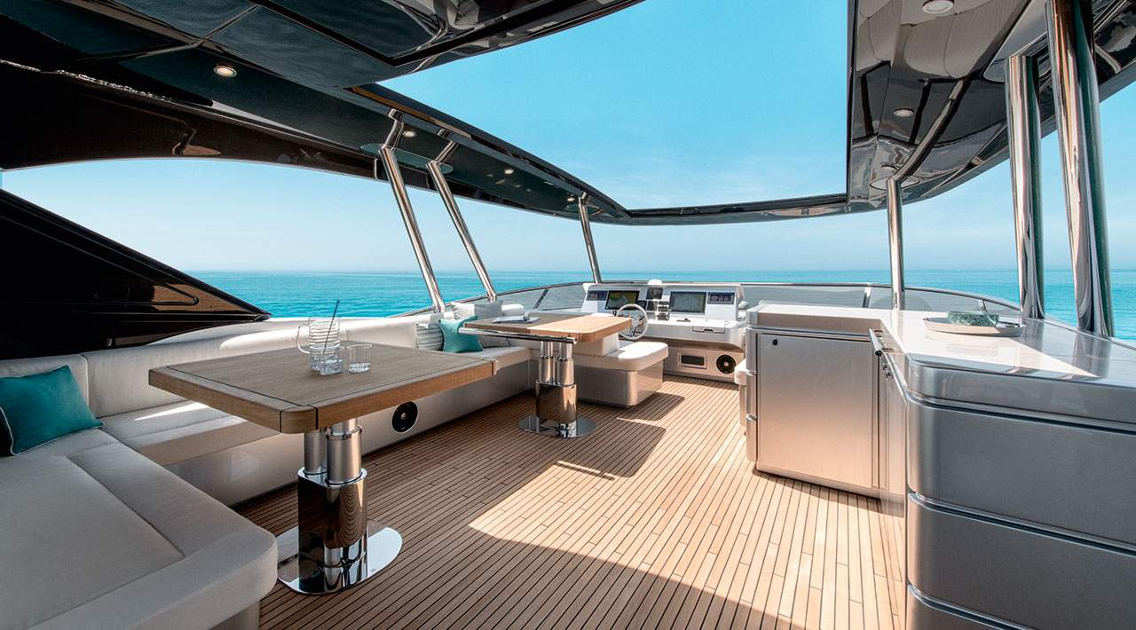 Monte Carlo Yachts MCY 76 Flybridge Seating