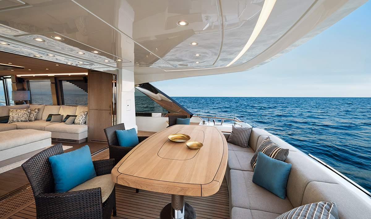 Monte Carlo MCY 80 yacht for sale - Aft Lounge
