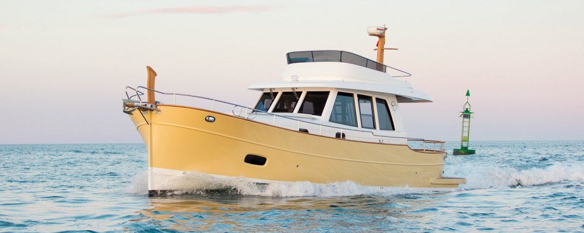 Minorca Islander 42 flybridge yacht for sale