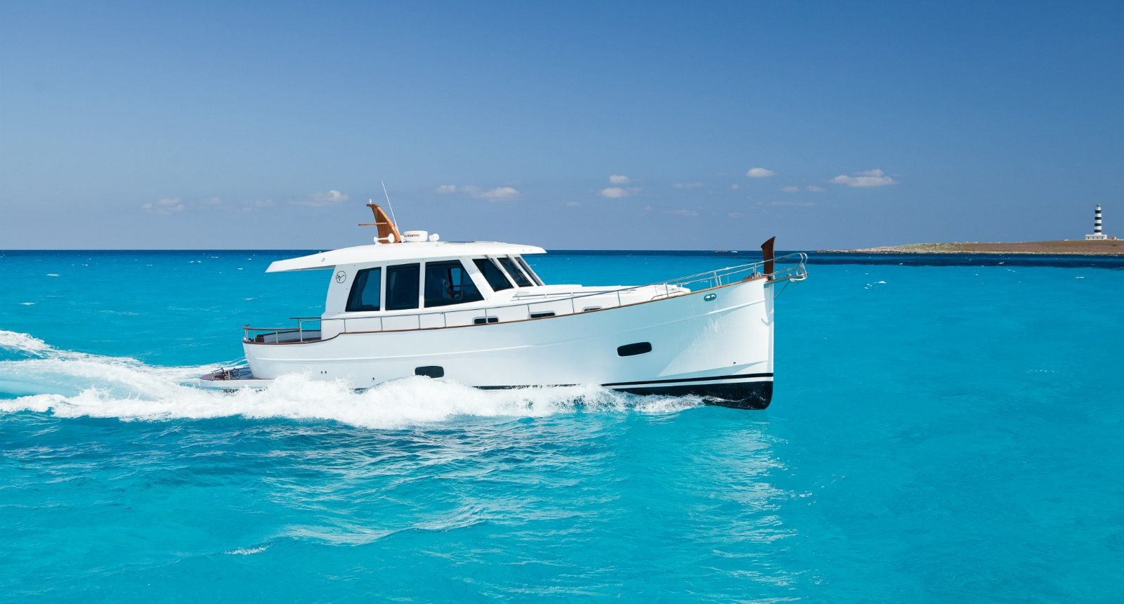 Minorca Islander 42 for sale - Running