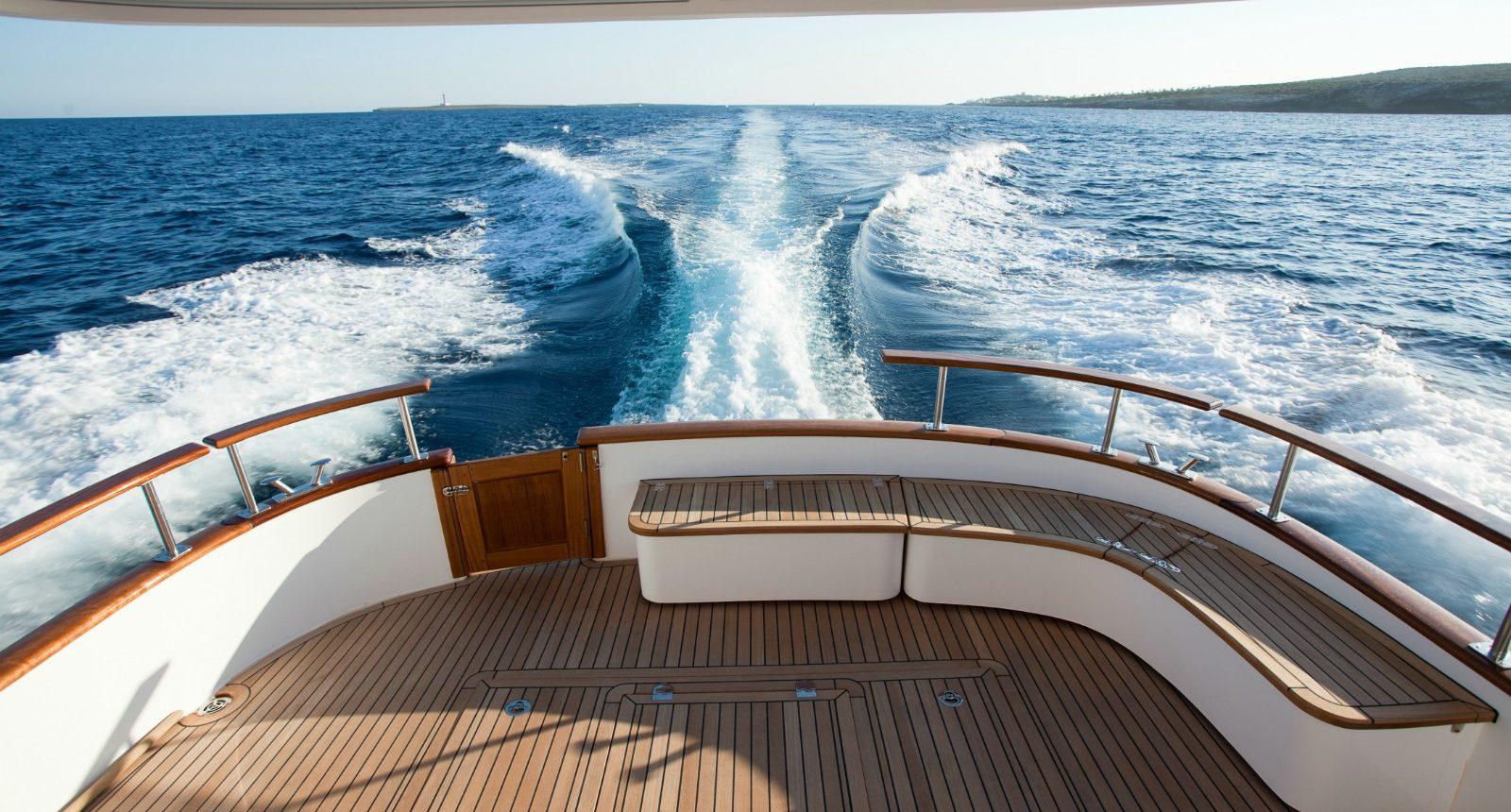 Minorca Islander 42 yacht for sale - back deck