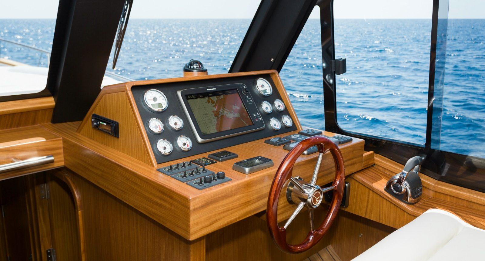 Minorca Islander 42 yacht for sale - helm