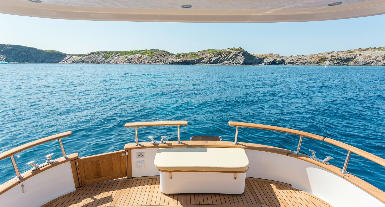 Minorca Islander 34 for sale - back deck