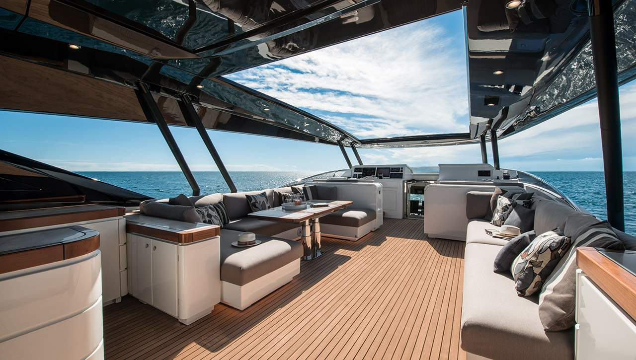 Monte Carlo MCY 96 yacht for sale - flybridge