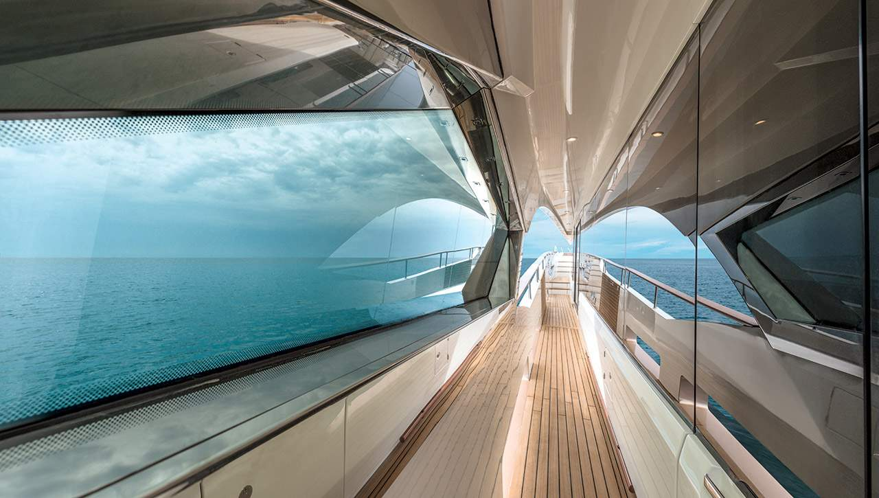 Monte Carlo MCY 96 yacht for sale - side deck