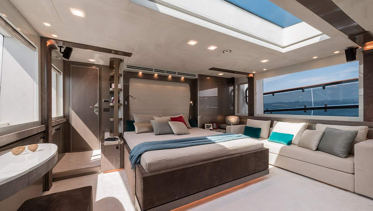 Monte Carlo MCY 96 yacht for sale - master stateroom