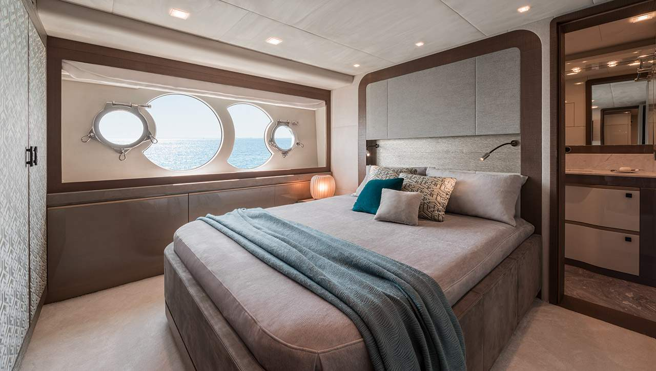 Monte Carlo MCY 96 yacht for sale - VIP Cabin