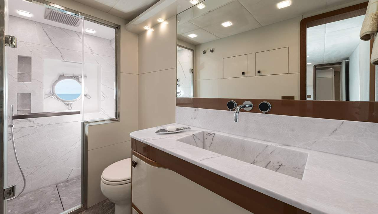 Monte Carlo MCY 96 yacht for sale - ensuite guest bathroom