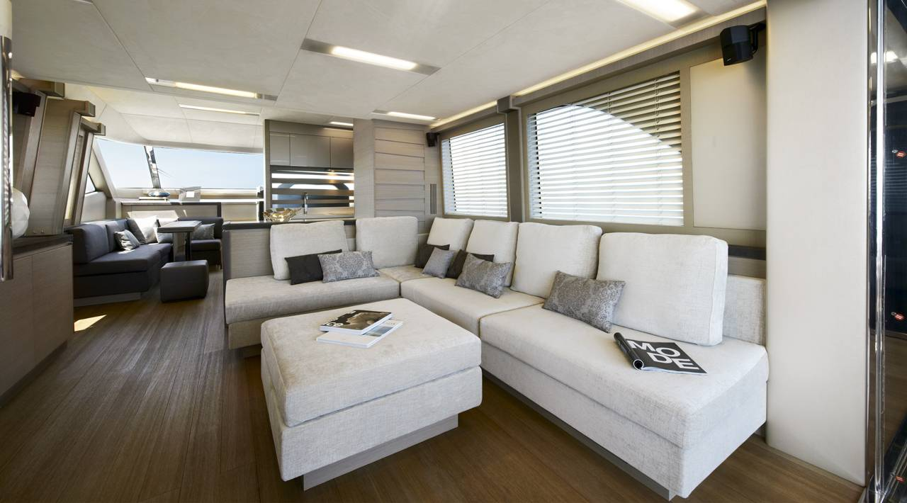 Monte Carlo Yachts - MCY 70 for sale - Salon