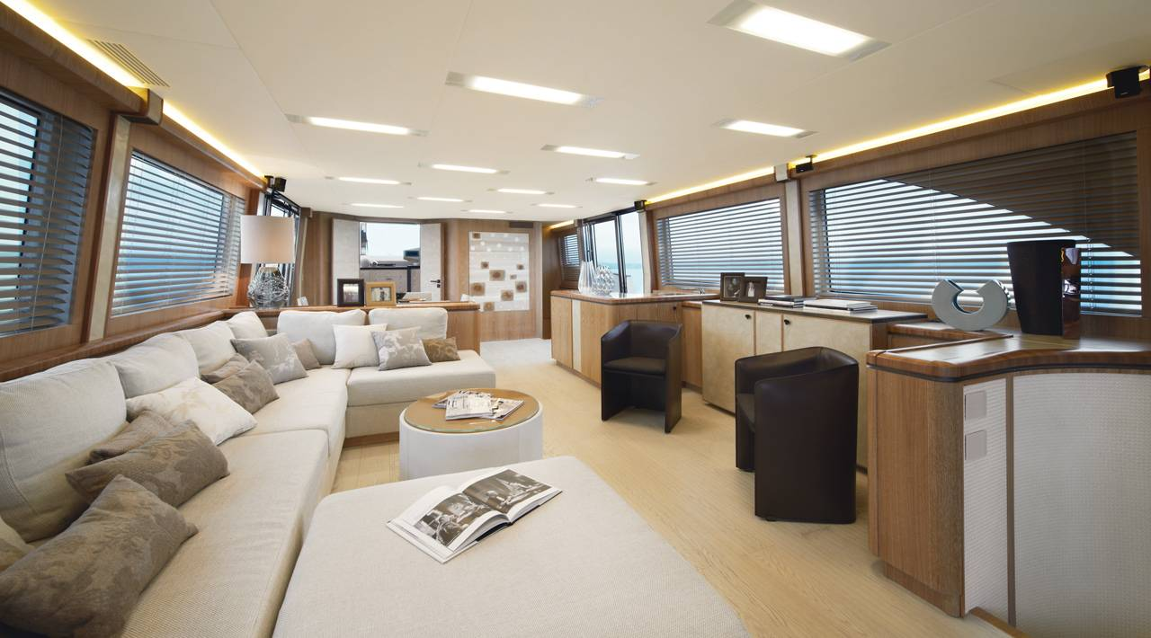 Monte Carlo Yacht MCY 86 for sale - Salon
