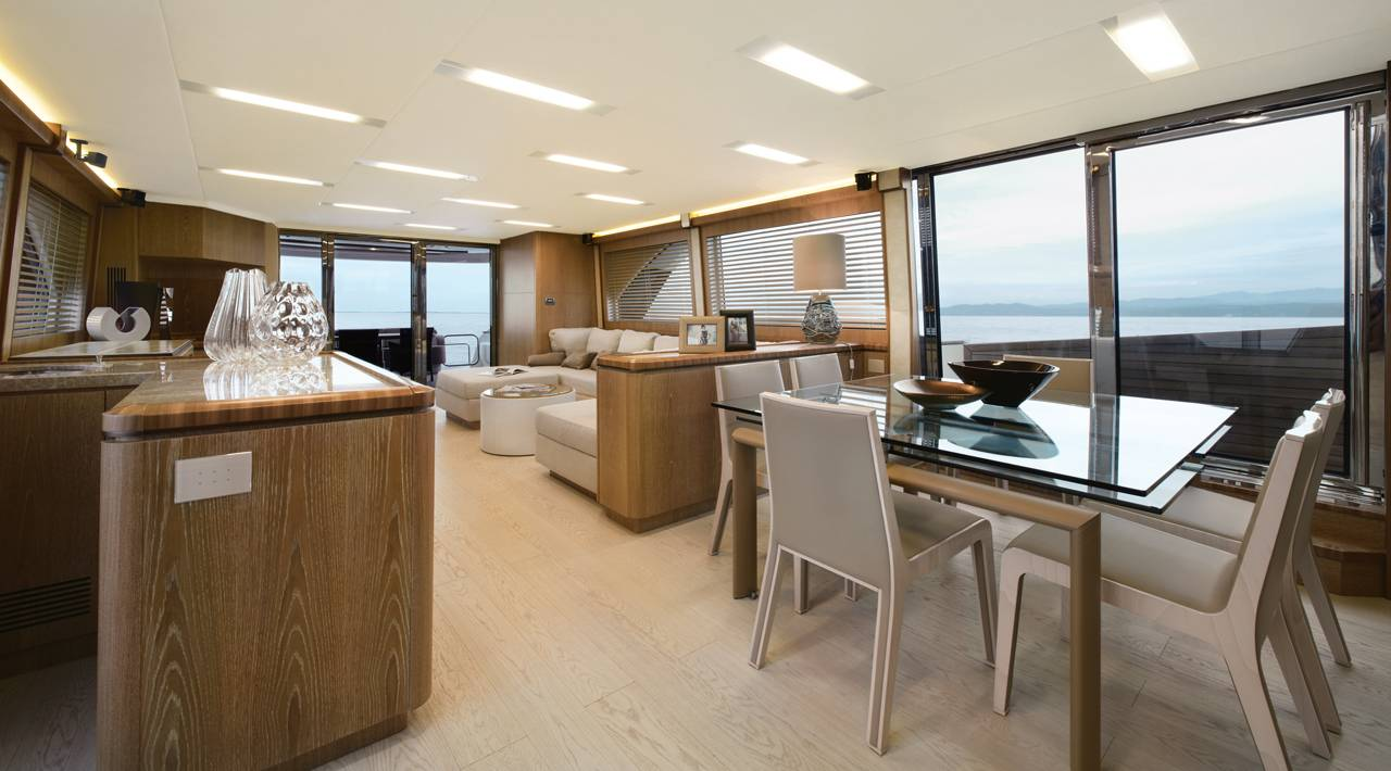 Monte Carlo Yacht MCY 86 for sale - salon and dining area
