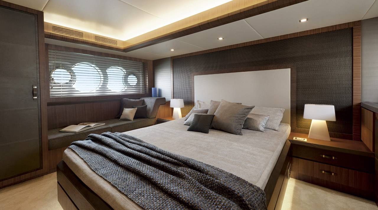 Monte Carlo Yachts MCY 65 for sale - master stateroom