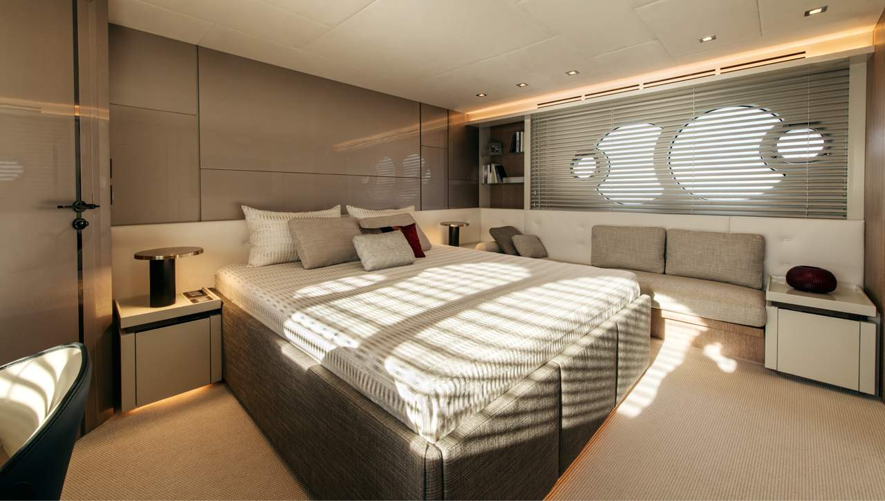 Monte Carlo Yachts MCY 70 master stateroom