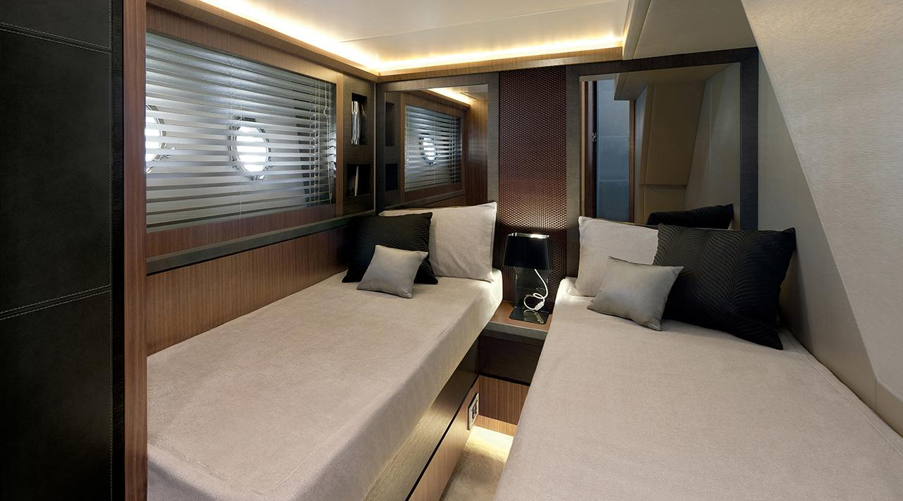 Monte Carlo Yachts MCY 65 for sale - guest cabin