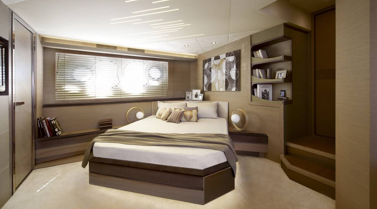 Monte Carlo Yachts - MCY 70 for sale - Master Stateroom