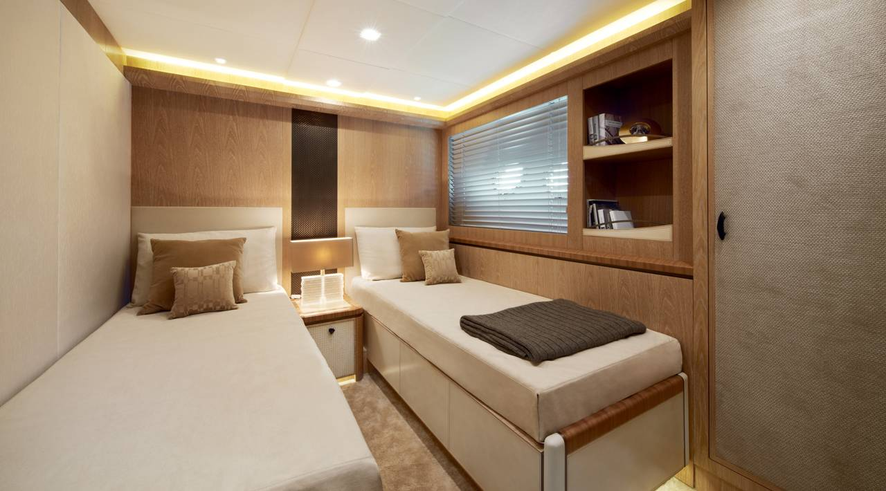 Monte Carlo Yacht MCY 86 for sale - Guest Cabin