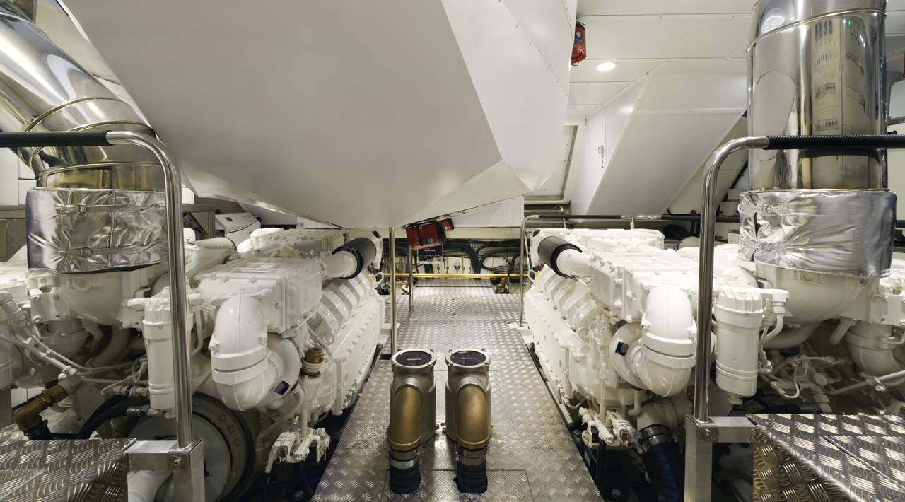 Monte Carlo Yacht MCY 86 for sale - Engine Room