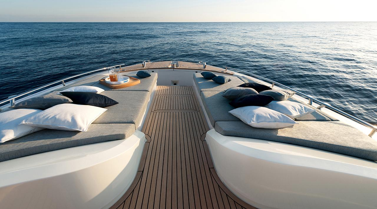 Monte Carlo Yachts MCY 65 for sale - bow lounge