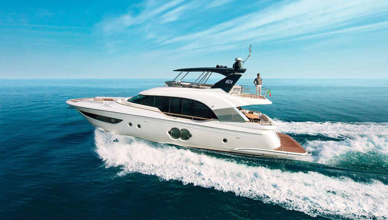 Monte Carlo Yachts MCY 70 cruising