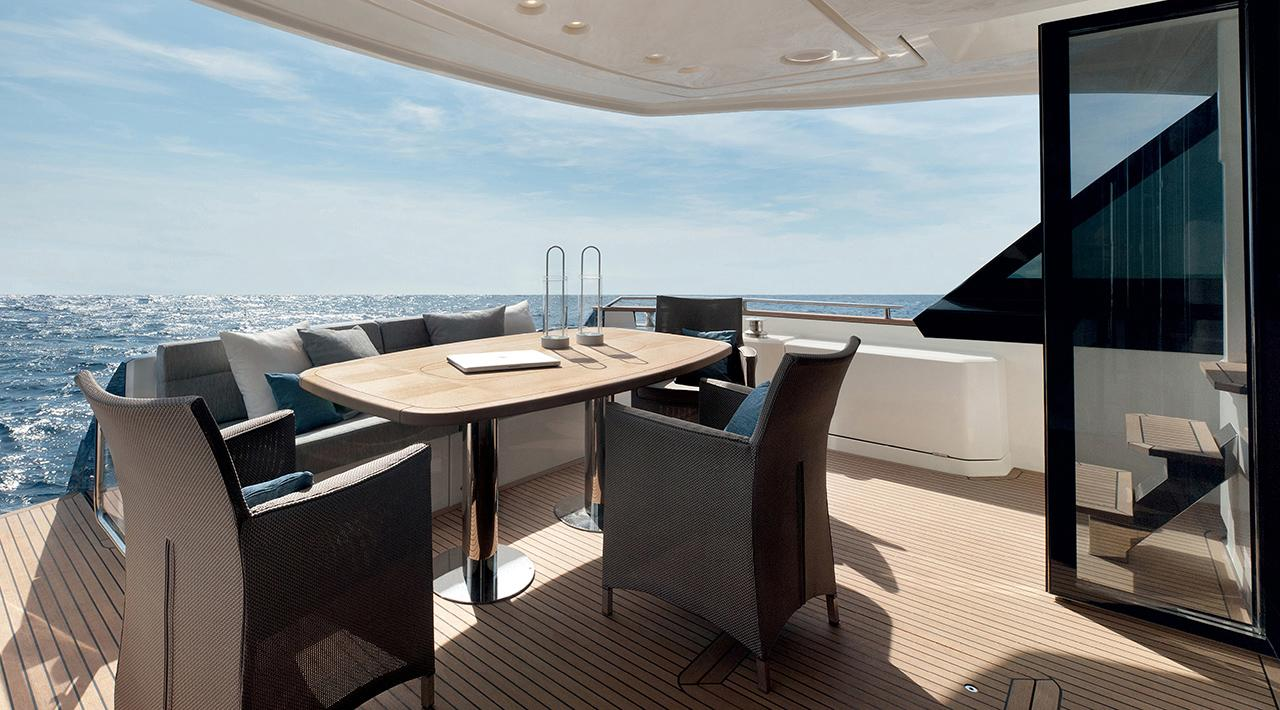 Monte Carlo Yachts MCY 65 for sale - aft deck