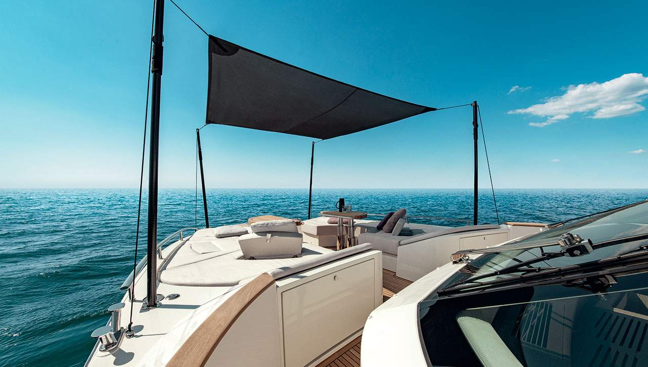Monte Carlo Yachts MCY 70 covered bow seating