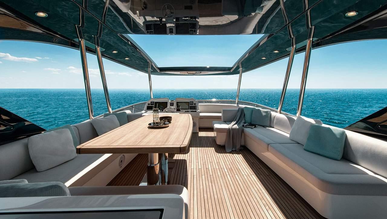 Monte Carlo Yachts MCY 70 flybridge