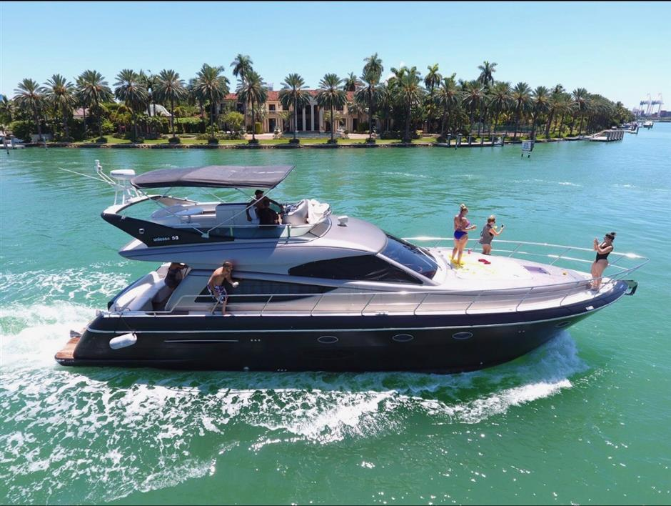 Search used motor yachts for sale from $200,000 to $400,000, including a range of Flybrige yachts, Pilothouse Yachts, Trawlers, Sportfish, Express, Sport Cruisers, and much more