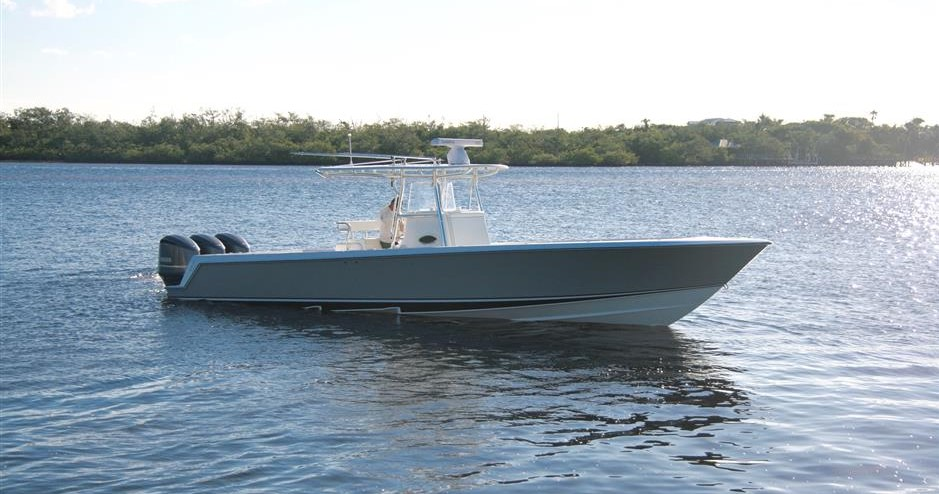Used Contender Boats for Sale worldwide, including Contender Center Console, Contender Express, Contender Cuddy, Contender Open models