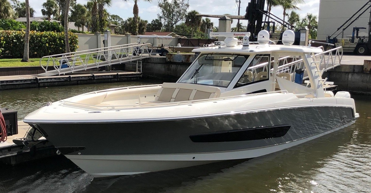 2016 Boston Whaler 420 Outrage - Sold - SYS Yacht Sales