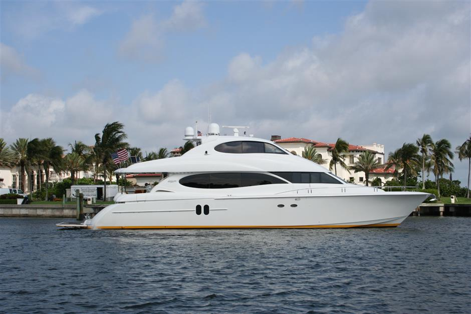 2003 Lazzara 80 Skylounge for sale