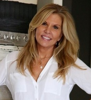 Sherry Shropshire, Marketing Assistant with SYS Yacht Sales