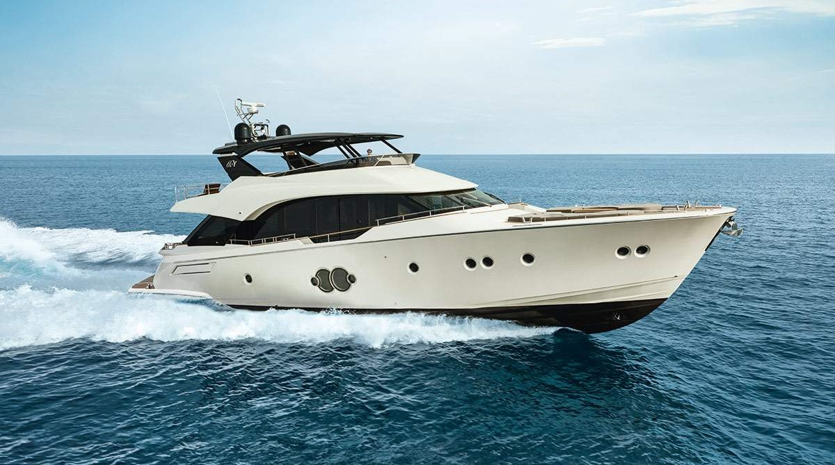 Monte Carlo Yachts MCY 80 at FLIBS